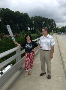 RNR Facebook Mgr Hits NC Overpass with Reporter
