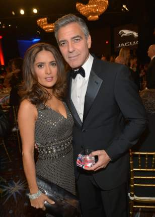 Salma-Hayek-George-Clooney-mingled-inside-event